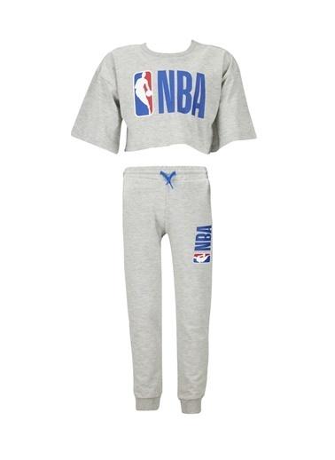 DeFacto Kız Çocuk NBA Lisanslı Kısa Kol Tişört Ve Jogger Eşofman Altı Takımı Gri